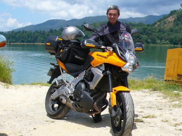 kawasaki versys forum - mtan's album: me and 2010 solar yellow